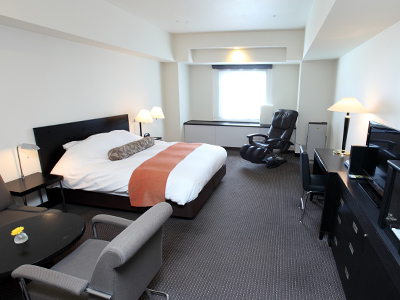 Spacious guest rooms offer total comfort